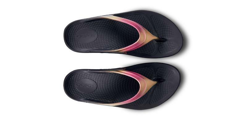ea69c573286b OOFOS Oolala Luxe Womens Thongs Rose Gold